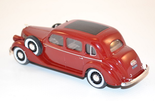 abrex-1-43-skoda-superb-913-dark-red-1938-autominiature01-com-40.jpg