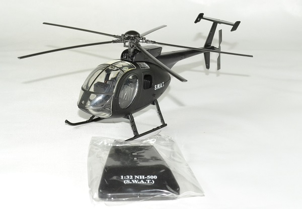 Agusta westland nh500 swat police 1 32 new ray autominiature01 1