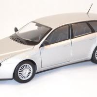 Alfa romeo 159 sw argent miniature motor max 1 43 autominiature01 com 1