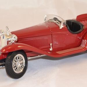 Alfa romeo 8c 2300 spider 1932 1 18 bburago www autominiature01 com 1