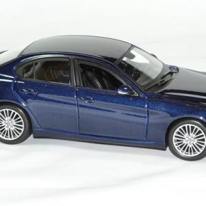 Alfa romeo giulia 1 24 bburago autominiature01 3