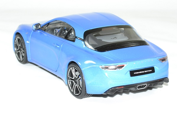 Alpine a110 bleu 2017 solido 1 18 autominiature01 2