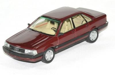 Audi 200 Quattro 20V rouge foncé métallisé