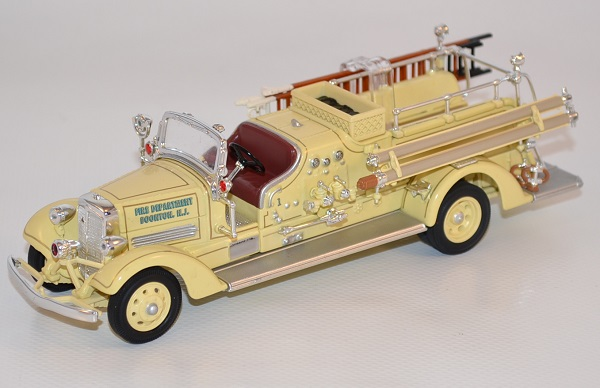 Autominiature01 com ahrens fox vc pompiers 1938 yatming 1 43 yat43003a 1
