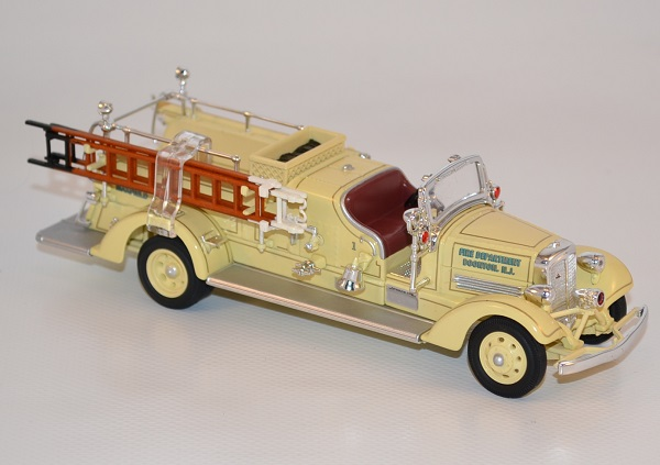 Autominiature01 com ahrens fox vc pompiers 1938 yatming 1 43 yat43003a 2