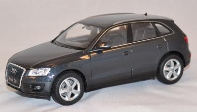 Audi Q5 Gris au 1/24 de la marque WELLY