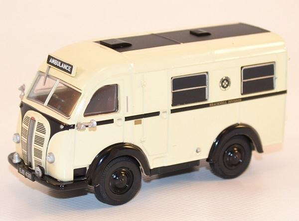 Autominiature01 com austin k8 welfarer ambulance 1 43 oxford 1