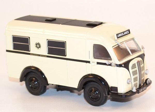 Autominiature01 com austin k8 welfarer ambulance 1 43 oxford 3