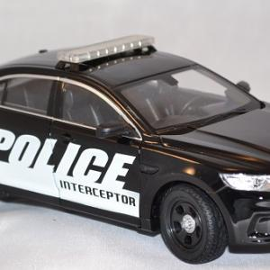 Autominiature01 com ford interceptor police 1 24 welly 3