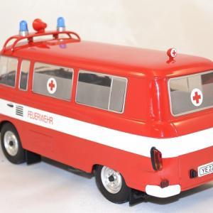 Barkas b1000 1965 mcg 1 18 ambulance miniature autominiature01 3