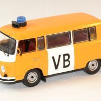 Barkas b1000 vb police tcheque 1975 ixo ist 1 43 autominiature01 1