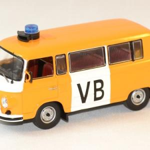 Barkas b1000 vb police tcheque 1975 ixo ist 1 43 autominiature01 1