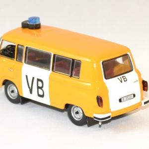 Barkas b1000 vb police tcheque 1975 ixo ist 1 43 autominiature01 2