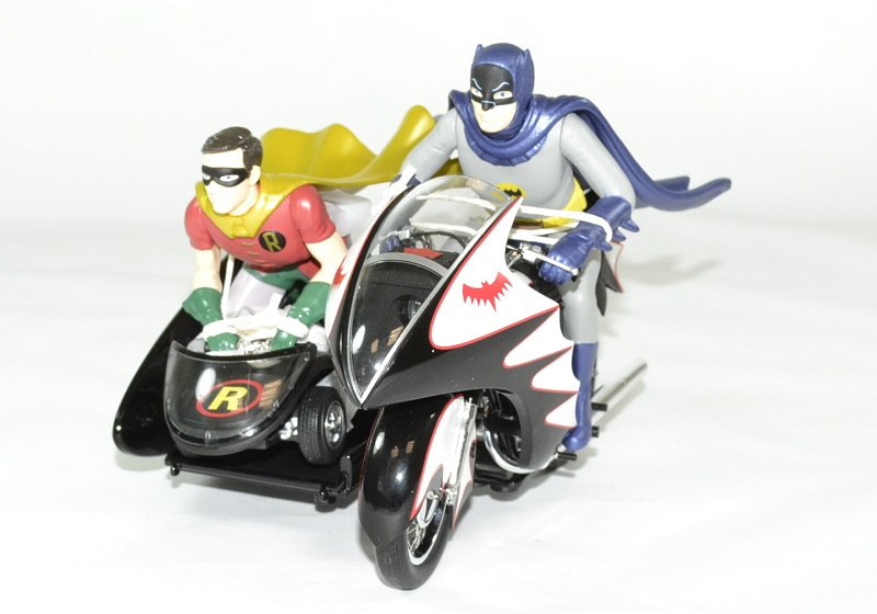 Batcycle batman robin annees 60 hotwheels 1 18 autominiature01 1