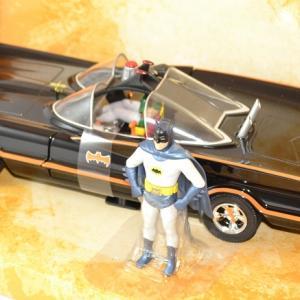 Batmobile jada toys serie tv 1966 1 24 autominiature01 2