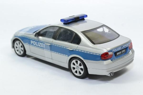 Bmw 330i police 1 24 welly autominiature01 22465bp 2