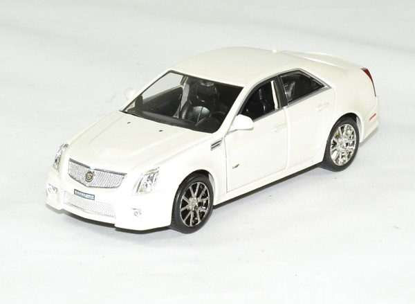 Cadillac cts v 2009 blanc 1 43 luxury autominiature01 1