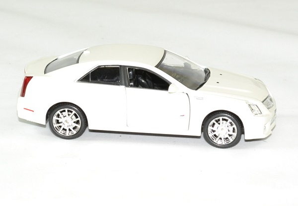 Cadillac cts v 2009 blanc 1 43 luxury autominiature01 3