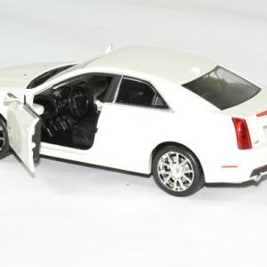 Cadillac cts v 2009 blanc 1 43 luxury autominiature01 4