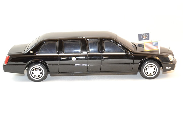Cadillac deville 2001 president usa 1 24 autominiature01 3