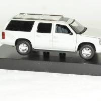 Cadillac escalade esv 2004 gris 1 43 signature autominiature01 3