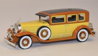 Cadillac sedan V16 lwb impérial 1930
