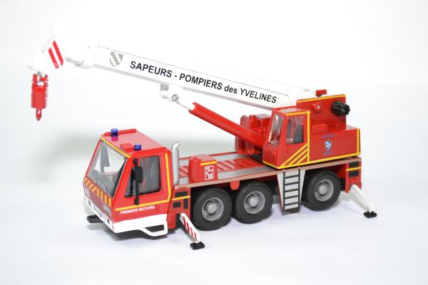 Camio grue sapeurs pompiers yvelines 78 bburago bur32010 autominiature01 1