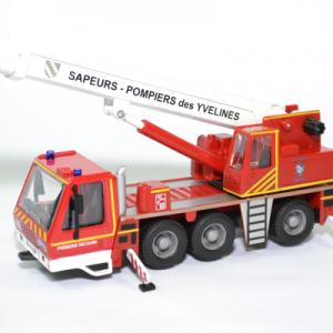 Camion Grue téléscopique Sapeurs Pompiers du SDIS 78 Yvelines
