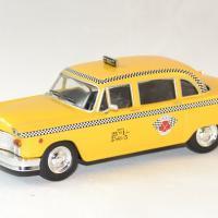 Checker whitebox marathon taxi 1963 ny autominiature01 1