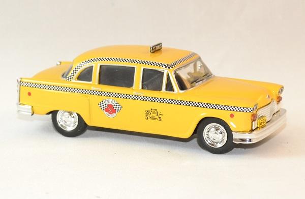 Checker whitebox marathon taxi 1963 ny autominiature01 3