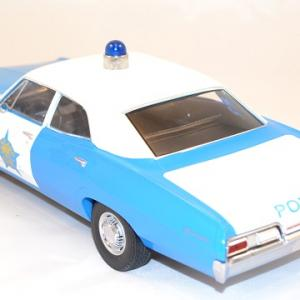 Chevrolet biscayne police chicago 1967 greenlight 1 18 autominiature01 com 2