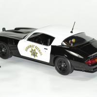 Chevrolet camaro z28 police 1 18 1979 greenlight autominiature01 1