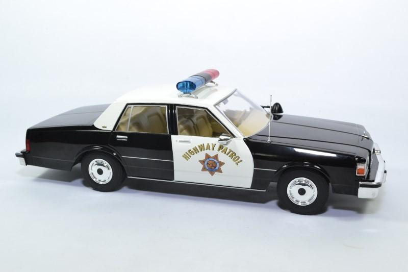 Chevrolet caprice 1987 police highway usa 1 18 mdg autominiature01 mcg18114 3