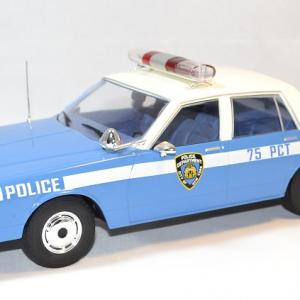 Chevrolet caprice police nypd mcg 1 18 autominiature01 1