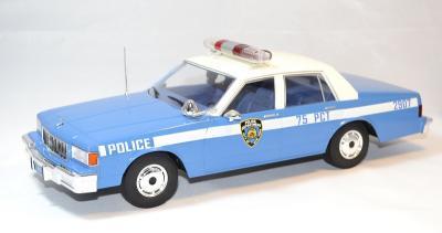 Chevrolet caprice classic police de New York MCG 1/18