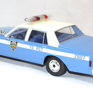 Chevrolet caprice police nypd mcg 1 18 autominiature01 2