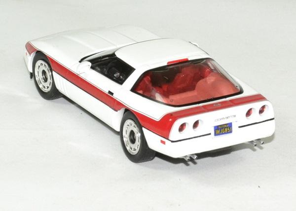 Chevrolet corvette c4 1984 a team fute face 1 43 greenlight autominiature01 2