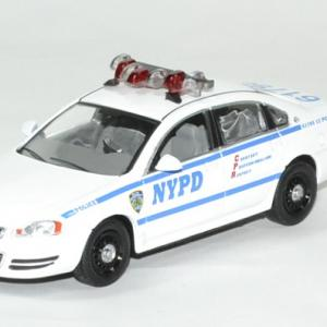Chevrolet impala police blue bloods 1 43 greenlight autominiature01 1