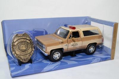 Chevrolet k5 1980 police blazer strangers things 1 24 jada autominiature01 31111