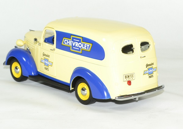 Chevrolet panel 1939 pieces 1 24 greenlight collectibles autominiature01 2
