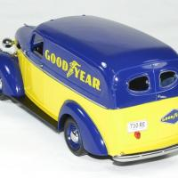 Chevrolet panel truck 1939 good year greenlight 1 24 autominiature01 2