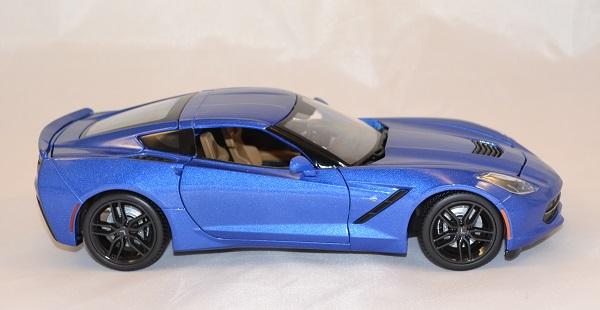 Chevrolet stingray z51 2014 bleue 1 18 maisto www autominiature01 com 3
