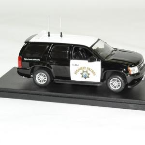 Chevrolet tahoe police 2012 highway patrol 1 43 greenlight autominiature01 3