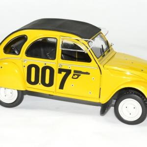 Citroen 2 cv james bond 1981 solido 1 18 autominiature01 4