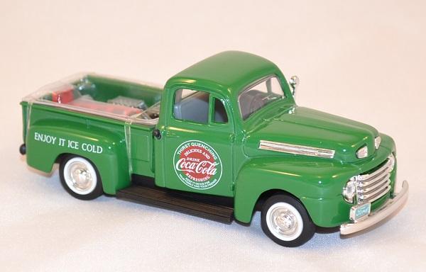 ford f1 pick up 1948 vert livraison coca cola 1 43 motorcity. Black Bedroom Furniture Sets. Home Design Ideas
