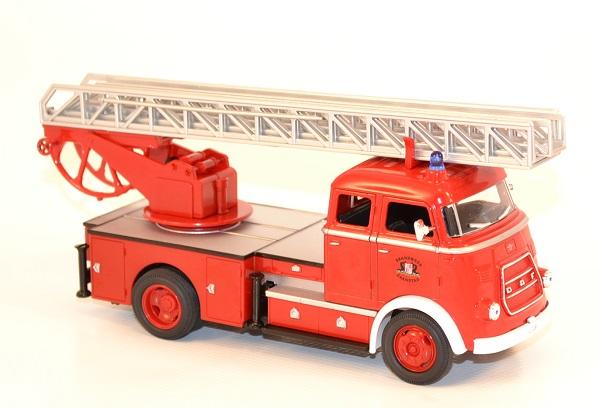 daf a1600 de 1962 pompier echelle 1 43 miniature yatming. Black Bedroom Furniture Sets. Home Design Ideas