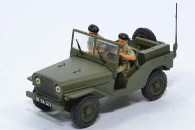 Delahaye jeep militaire avec 2 soldats
