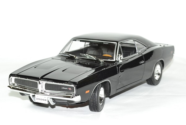 Dodge charger black 1969 maisto 1 18 autominiature01 1