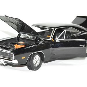 Dodge charger black 1969 maisto 1 18 autominiature01 4