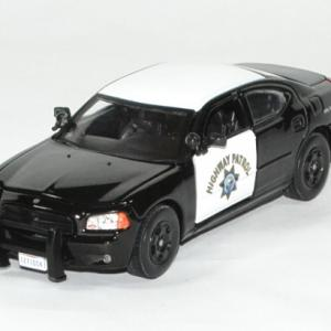 Dodge charger interceptor 1 43 police greenlight autominiature01 1